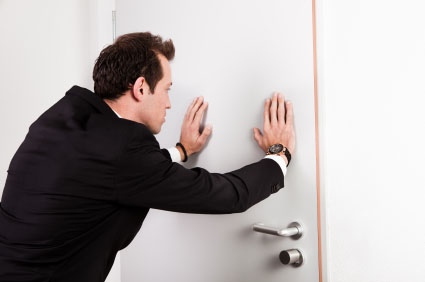 Ouverture de porte paris porte claqu e for Ouvrir une porte avec une radio